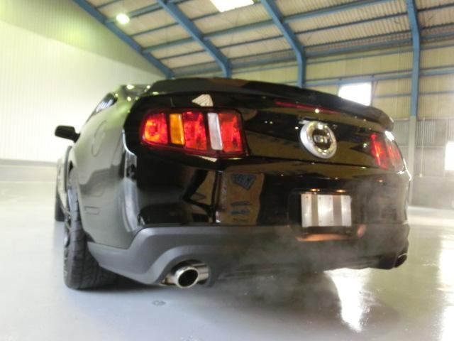 V8 GTクーペ グラスルーフ ザ ブラック 35台限定車(21枚目)
