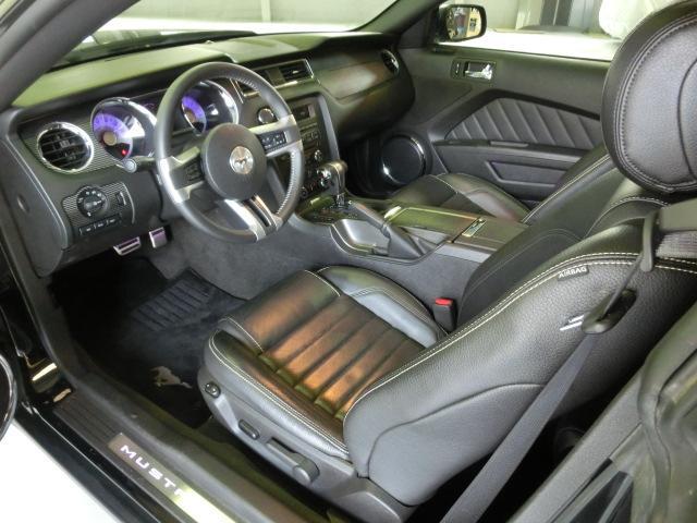 V8 GTクーペ グラスルーフ ザ ブラック 35台限定車(29枚目)