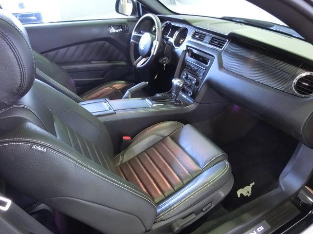V8 GTクーペ グラスルーフ ザ ブラック 35台限定車(41枚目)