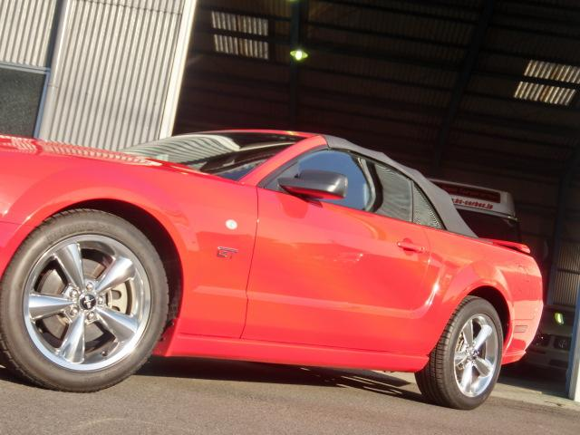 V8 GTコンバーチブル プレミアム 正規ディーラー車(14枚目)