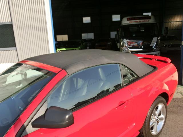 V8 GTコンバーチブル プレミアム 正規ディーラー車(17枚目)
