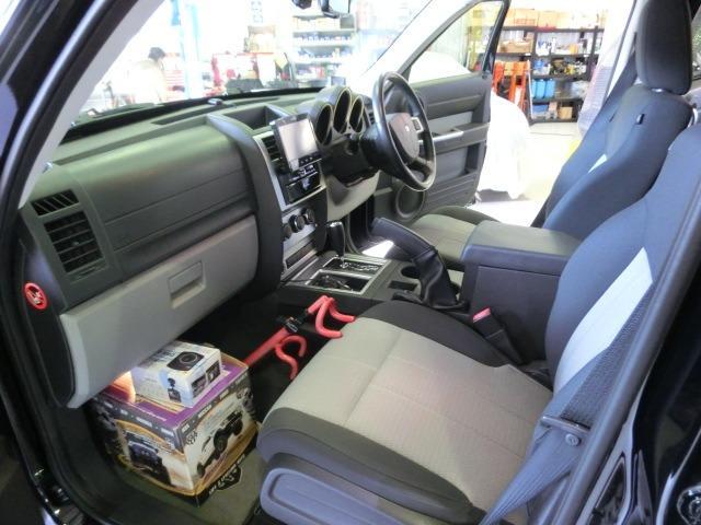 「ダッジ」「ダッジナイトロ」「SUV・クロカン」「広島県」の中古車16