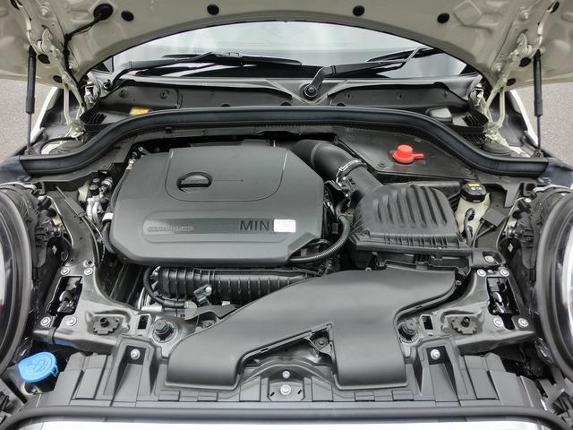 136ps 220N 燃費JOC8モード 18.3km/L (カタログ値) 3気筒ツインパワーターボ 低速から小気味良く回るエンジン サウンドもスポーツです。