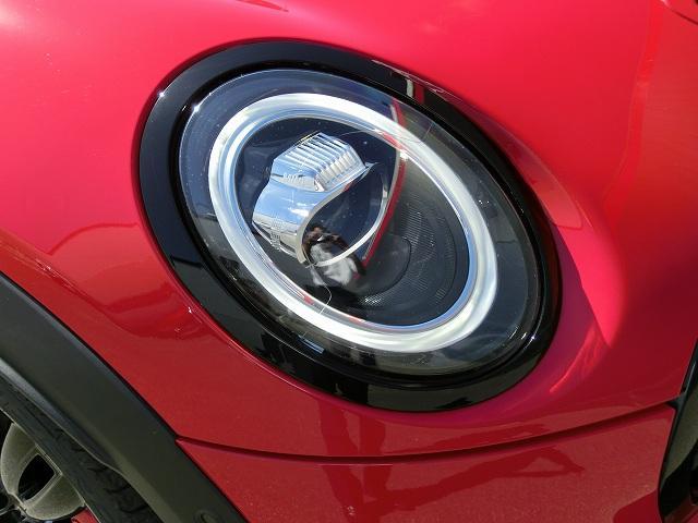 ジョンクーパーワークス インテリジェントセーフティ タッチナビ バックカメラ PDC LEDライト ヘッドアップディスプレイ MINIドライビングモード パドルシフト コンフォートアクセス ETC内蔵ルームミラー 黒アルミ(20枚目)