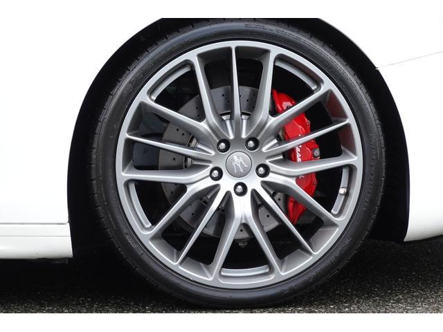 グランスポーツ ドライバーパッケージ ツーリングパッケージ 社外車高調 純正OP21インチアルミ。(8枚目)