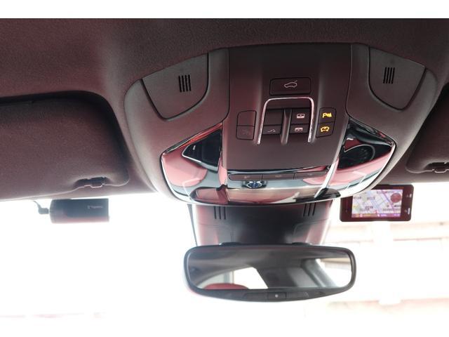 グランスポーツ ドライバーパッケージ ツーリングパッケージ 社外車高調 純正OP21インチアルミ。(20枚目)