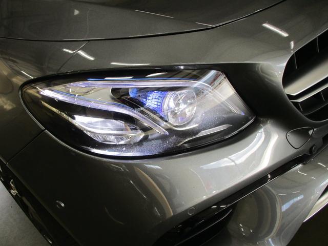 ◆マルチビームLEDヘッドライト◆ステレオカメラが前方の交通状況を検知し、ヘッドライトの片側84個のLEDを瞬時に個別制御。前走車等を眩惑することなく、より広い範囲を明るく照射することができます。