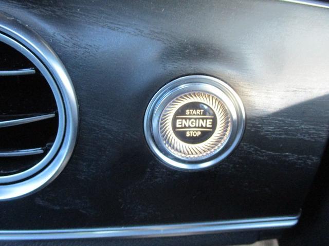◆キーレスゴー◆キーを身につけていれば、ボタンを押すだけでエンジン始動!!さらに、リモコン操作をしなくてもドアが解錠できます。