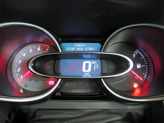 ルノースポール トロフィー 純正オーディオ USB Bluetooth クルーズコントロール 本革巻きステアリング パドルシフト LEDヘッドライト LEDフォグライト オートライト リアコーナーセンサー アイドリングストップ(15枚目)