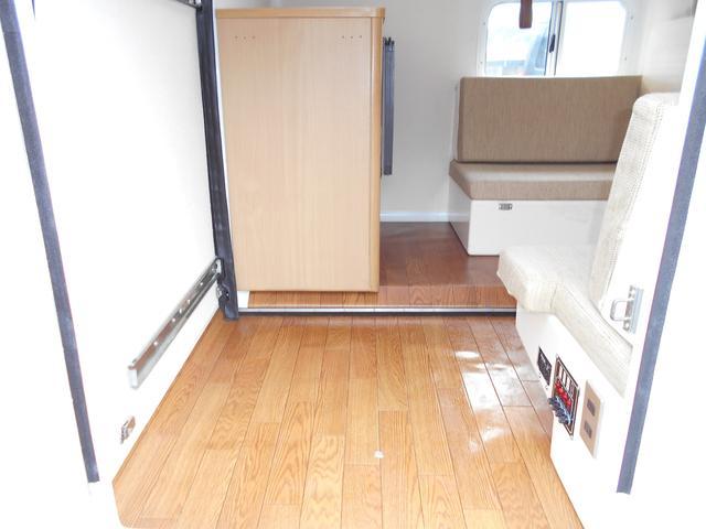 スズキ キャリイトラック キャンピング仕様 外部電源 走行充電 インバーター 冷蔵庫