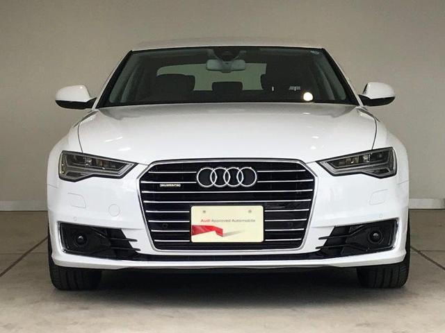 Audiの象徴でもあるシングルフレームグリルが際立ちます