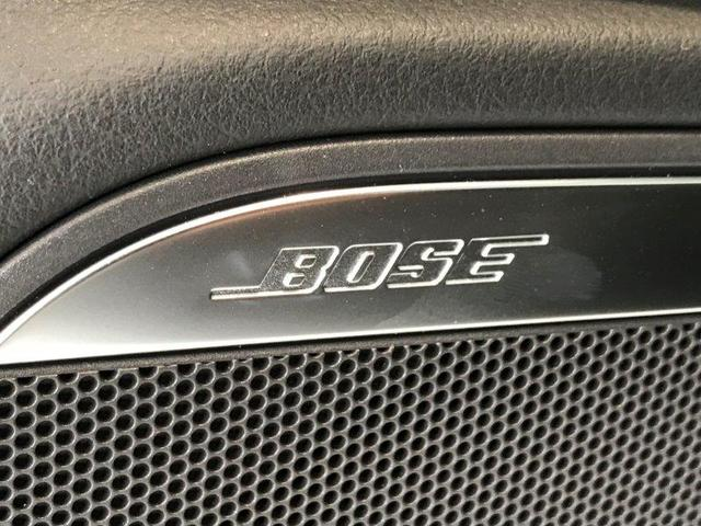 BOSE社との共同開発によるオーディオシステムが標準装備。各席において、あたかも360度音源に囲まれるような臨場感を味わうことができます。