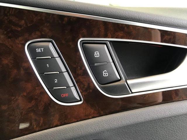 シートメモリーで多数のドライバーが乗ってもご自身のシートポジションは記憶されます