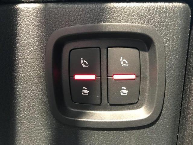 3列目シートは、スイッチ操作で調整が可能です。