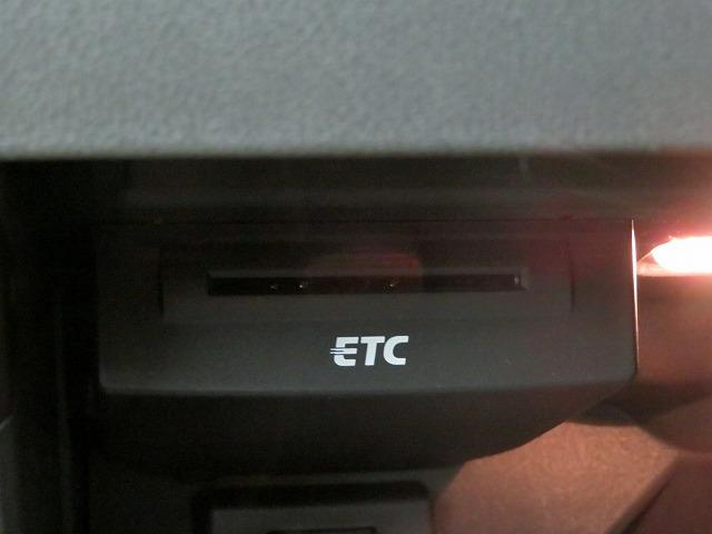 アウディ アウディ A1 1.4TFSIシリンダーオンデマンド SDナビ フルセグTV