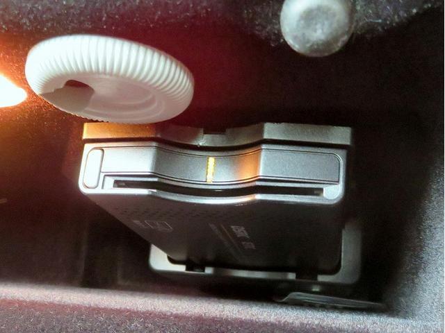 メルセデス・ベンツ M・ベンツ E300 アバンギャルド LEDヘッドライト 純正HDDナビ
