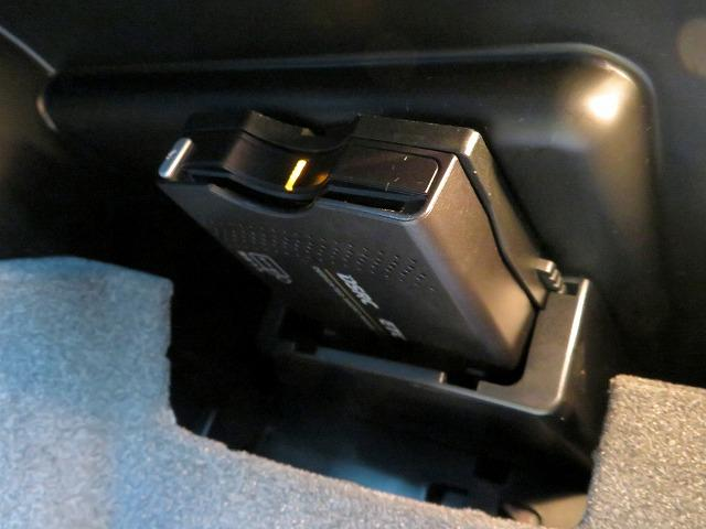 メルセデス・ベンツ M・ベンツ A180 レーダーセーフティPKG HDDナビ フルセグTV