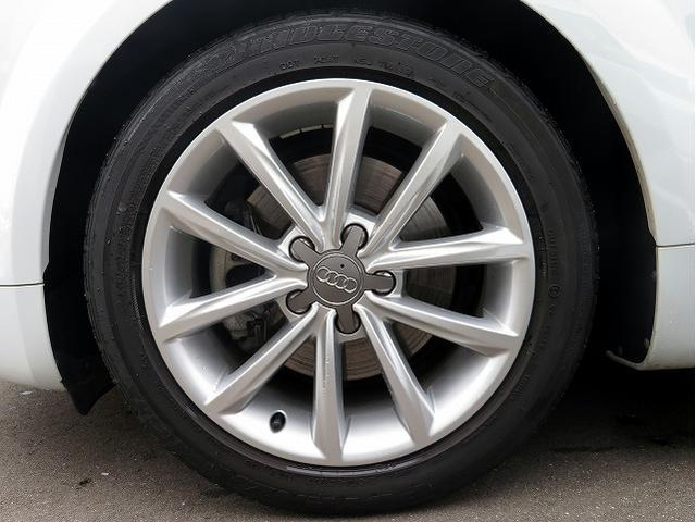 1.8TFSI 最終モデル 新品タイヤ4本 純正SDナビ(6枚目)