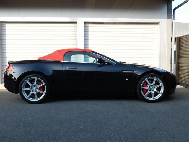 「アストンマーティン」「アストンマーティン V8ヴァンテージ」「オープンカー」「広島県」の中古車13