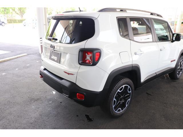 Jeep独自のデザインは、リアビューにも生かされています