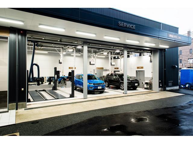 最新設備が整った整備工場でサポートさせていただきます。