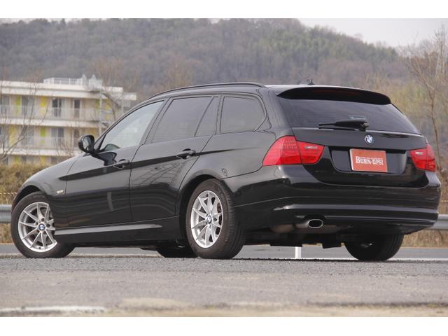 全体的に色艶共に綺麗な車両です。自信を持ってオススメできる車両です。