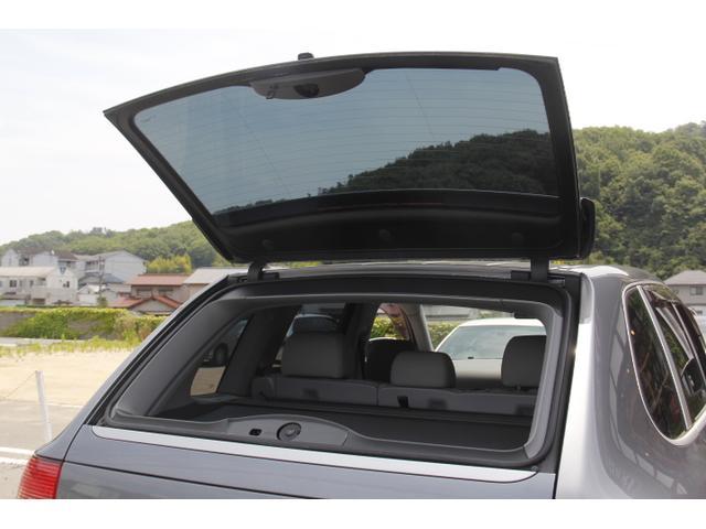 テールゲートの窓も開閉しますので、荷室へのアクセスも楽にできます。