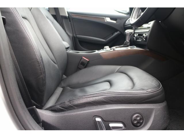 長時間のドライブもおくつろぎいただけるホールド性の高いシートです。