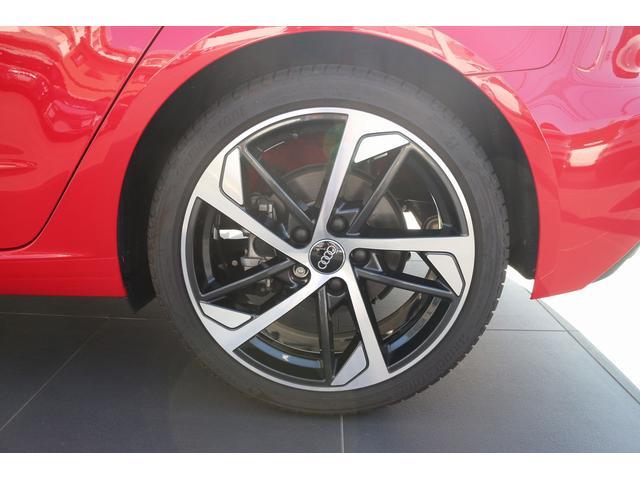【Audi純正アルミホイール】車両デザインコンセプトを反映し、モデルキャラクターと調和するホイールデザインに。車両開発と共に設計が進められます。