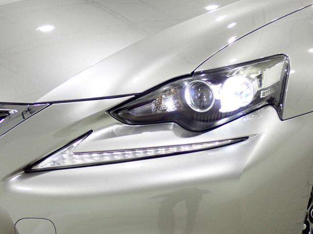●LEDヘッドライト『長寿命かつ視認性に優れたLEDヘッドライト。より遠く、より明るいLEDは運転者のサポートに優れております♪』