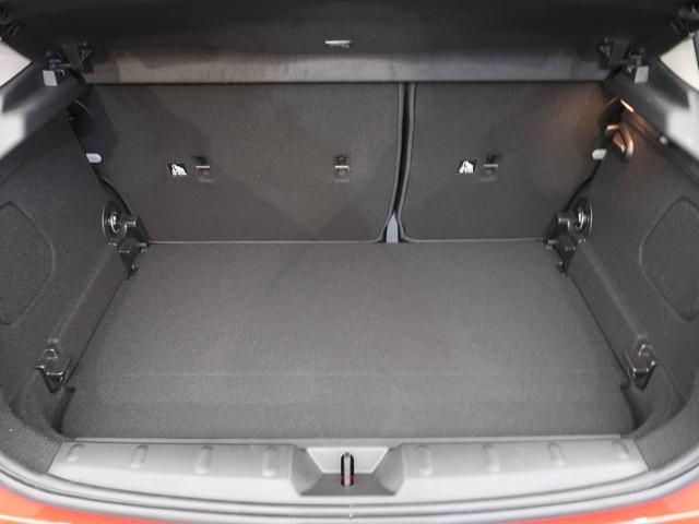 クーパーD LEDライトパッケージ パーキングアシストパッケージ アドバンスドテクノロジーパッケージ ペッパーパッケージ 衝突軽減システム シートヒーター 純正ナビ バックカメラ オートライト ワンオーナー(17枚目)