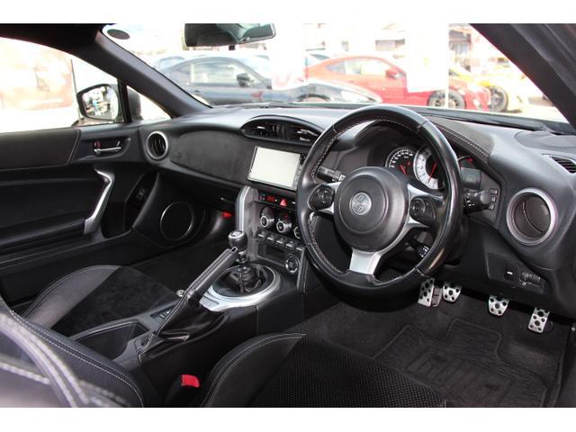 GTリミテッド 後期モデル 1オーナー モデリスタエアロFSR ハーフレザーシート シートヒーター ストラーダナビ Bluetooth対応 フェンダーイルミ クルーズコントロール スマートキー プッシュスタート(3枚目)