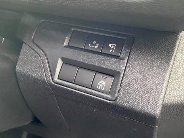 GT ブルーHDi ディーゼルターボ 禁煙 純正ナビTV 全方位カメラ 追従式クルーズコントロール ハーフレザーシート ドライブレコーダー 18インチAW 電動リアゲート ETC(34枚目)