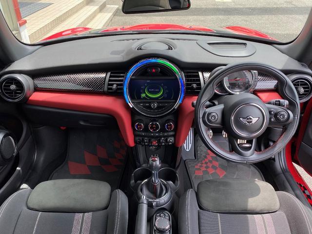 ジョンクーパーワークス 6速マニュアル車 1オーナー 純正HDDナビ ヘッドアップディスプレイ クルーズコントロール スポーツモード サイドデカール(21枚目)