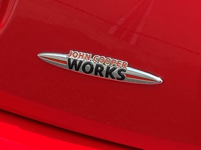 ジョンクーパーワークス 6速マニュアル車 1オーナー 純正HDDナビ ヘッドアップディスプレイ クルーズコントロール スポーツモード サイドデカール(38枚目)