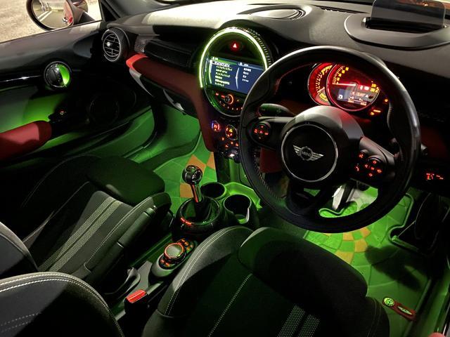 ジョンクーパーワークス 6速マニュアル車 1オーナー 純正HDDナビ ヘッドアップディスプレイ クルーズコントロール スポーツモード サイドデカール(51枚目)