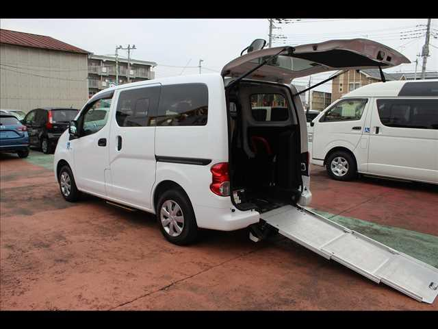 日産  チェアキャブ スロープ 車イス1名仕様 専用サードシート有 メーターバックモニター 電動ステップ