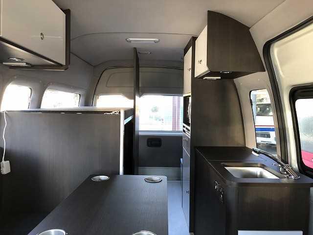 トヨタ SロングDX GLパッケージ オリジナルキャンプ仕様 Pisces 2段ベッド 電子レンジ 冷蔵庫 11型フォローティングナビTV  バックカメラ FFヒーター サブバッテリー 衝突軽減ブレーキ
