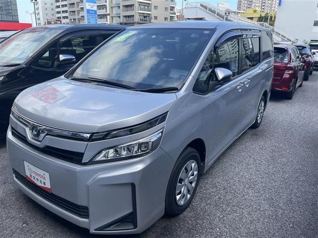 沖縄の中古車 トヨタ ヴォクシー 車両価格 198万円 リ済別 2017(平成29)年 5.1万km シルバー