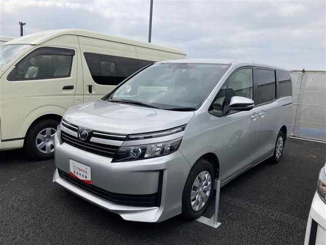沖縄の中古車 トヨタ ヴォクシー 車両価格 154万円 リ済別 2016(平成28)年 3.7万km シルバー