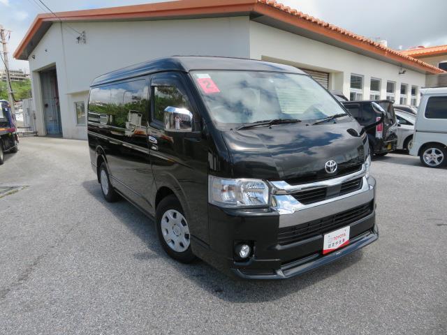 ハイエースワゴン(沖縄 中古車) 色:ブラックマイカ 価格:352万円 年式:2020(令和2)年 走行距離:199km