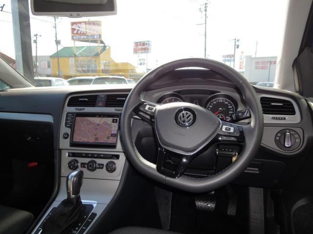 フォルクスワーゲン VW ゴルフ TSI Comfortline BlueMotion Technology NAVI