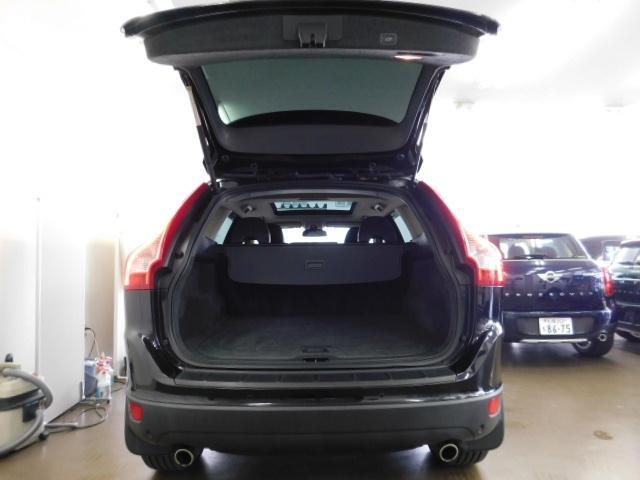 T6 SE AWD 黒革 シートヒーター パノラマルーフ(13枚目)