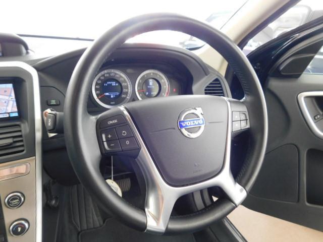 T6 SE AWD 黒革 シートヒーター パノラマルーフ(19枚目)