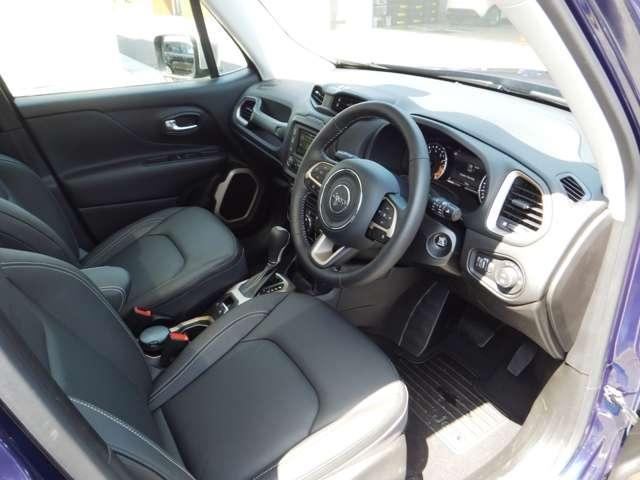 クライスラー・ジープ クライスラージープ レネゲード リミテッド 登録済未使用車 アダプティブ レザー キセノン