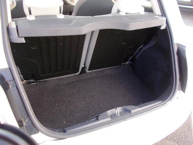 ラゲッジルームも実用的なサイズです。後席を倒せば更に余裕のある空間が現れます!
