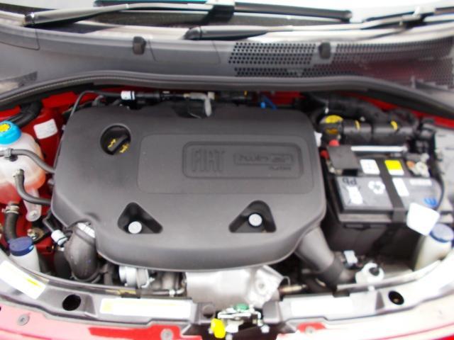 エンジンオブザイヤーに輝いた、900CC2気筒ターボエンジン「ツインエア」搭載!パワーと燃費を両立した画期的ユニットです。