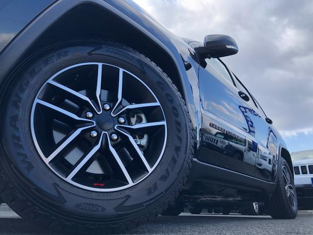 トレイルホーク 弊社試乗車 特別仕様車 衝突軽減ブレーキ ハーフレザー エアサス フルセグナビ アップルカープレイ アダプティブクルーズ レーンセンス バックカメラ ETC2.0 ブラインドスポットモニター(20枚目)