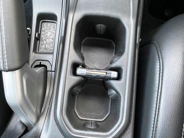 サハラ 1オーナー 禁煙車 衝突軽減ブレーキ レザー フルセグナビ LEDライト アダプティブクルーズ バックカメラ ETC2.0 前後ドライブレコーダー ブラインドスポットモニター 純正18インチAW(36枚目)