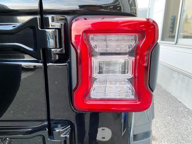 サハラ 1オーナー 禁煙車 衝突軽減ブレーキ レザー フルセグナビ LEDライト アダプティブクルーズ バックカメラ ETC2.0 前後ドライブレコーダー ブラインドスポットモニター 純正18インチAW(52枚目)